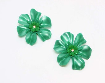 Large Flower Earrings - Vintage Clip On's - Mid Century Plastic Jewelry