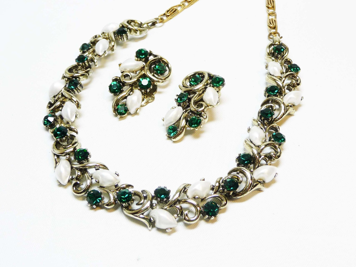 Lisner Green Amp White Rhinestone Necklace And Earring Set