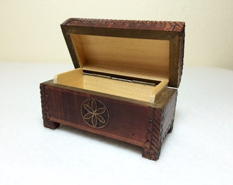 Vintage Box Small Wooden Keepsake Hinged Lid