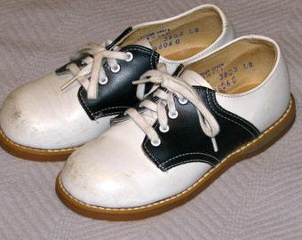 Vintage 1960s 1970s BUSTER BROWN Baby Leather Black and White Pony Shoes Unisex 9