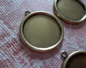 Vintage Inspired Antiqued Brass Simple Round Settings with 1 Loop for 18mm Cabochons - Qty 2