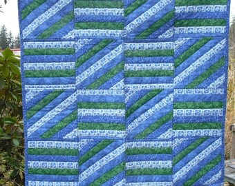 Lap Quilt Wall Hanging Tapestry Baby Crib Patchwork Quilted Fabric Lined Cotton Blues Greens White Country Picnic Decor Cover Blanket