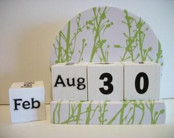 Green Grass Calendar Perpetual Block Calendar Round Wood Green Grass Theme Decor