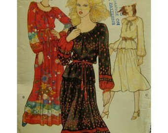 """70s Peasant Blouse and Skirt Pattern, Long Sleeves, Drawstring Neck, Yoked Skirt, Belt, Vogue No. 9963 UNCUT Size 10 (Bust 32.5"""" 83cm)"""