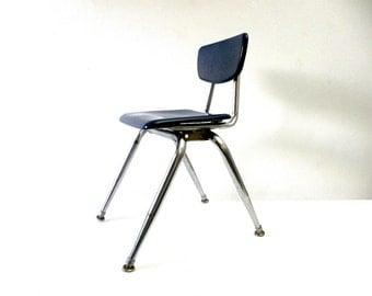 Vintage 1960s/70s Mid-Century Modern Virco Child's School/Classroom Chair
