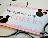 Minnie Mouse Signs