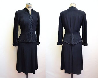 1930s 40s Black embroidered wool skirt suit / 1940s fitted jacket & skirt - M