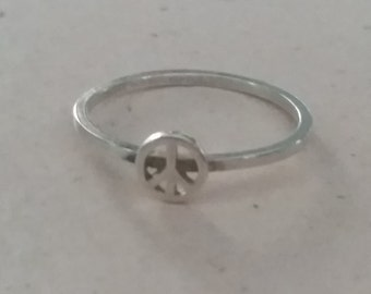 Vintage Sterling Silver Peace Sign Ring Ladies Accessory Girls Size 6