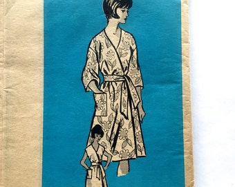 60s Anne Adams 4833 Wrap Dress or Brunch Robe Muu Muu Short or Long Sleeve Size 10 Bust 31