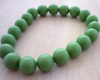 Vintage sage lucite round beads 10mm