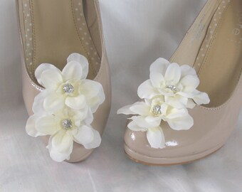 Ivory flower and diamonte shoe clips - ideal for wedding shoes