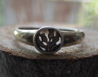 Vintage Sterling Silver Men's or Women's Ring Marijuana Plant Longevity Ring Size 9