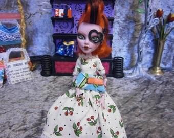 Tropical clutch purse for 10 to 12 inch fashion dolls