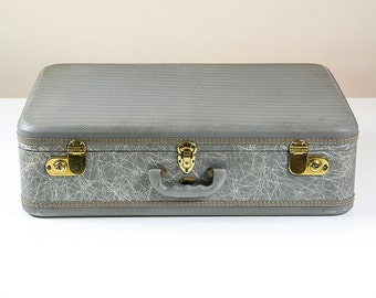 Vintage Suitcase Maximillion New York, Fibre Glass with Lavender Interior, Mens Luggage, Vintage Luggage, Suitcase Trunk