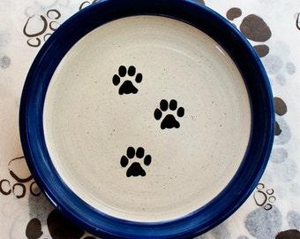 Curved Paw Print Plate in Dark Blue (Medium)