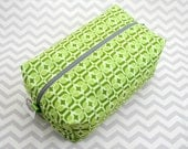 Large Box Bag, Travel Bag or Project Bag - Green