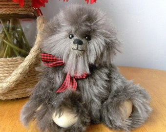 Artist Bear - McTavish - 9 inch Mohair Bear