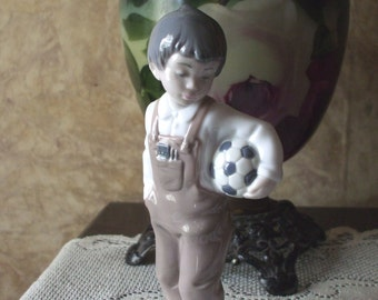LLADRO NAO Boy with Soccer Ball #1068 Decorative Figurine From Spain 1988 Vintage