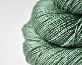 Sea grass in the sun - Merino/Silk Fingering Yarn Superwash