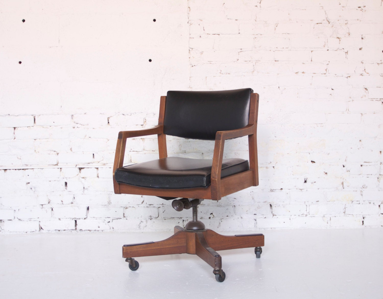 Mid Century Modern Mad Men Style Wooden And Black Vinyl Rolling Swivel Office Desk Chair