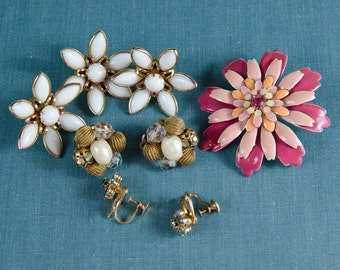 Vintage Destash Lot Jewelry Earrings Pins Set Retro 1950s 60s - B4