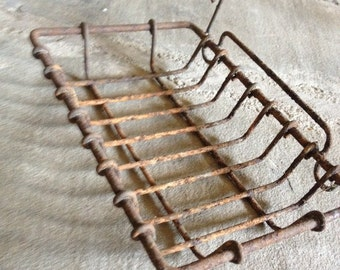 Antique Wire Soap Dish Rusty Vintage Metal - #4927