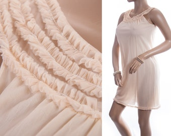 Dreamy romantic floaty pretty apricot nylon double layer matching frill detail 1960's vintage shorter length nightgown nachthemd - 3299