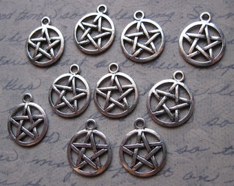 10 Pentagram Charms in Silver Tone - C1478