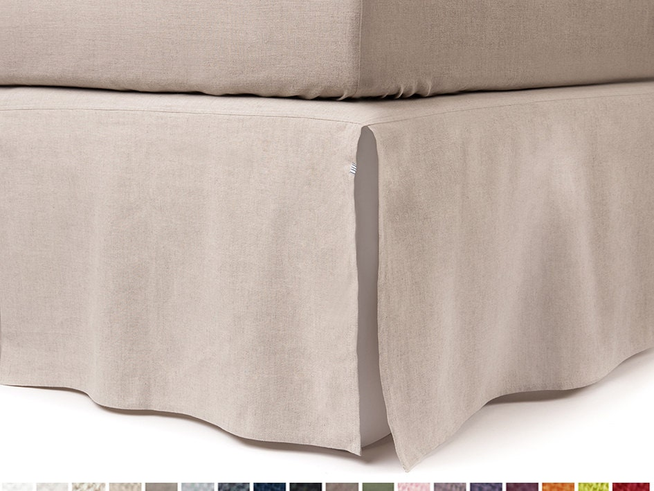 Finalize Bedroom Décor with JYSK Bed Skirts. Are you in need of adding a final touch to your bedroom décor? These beautiful bed skirts from JYSK are what you may be looking for, with sizes for double beds, king beds, and twin beds.