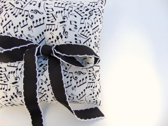 Music Note Ring Bearer Pillow, Sheet Music Ring Bearer, Black and White Ring Bearer Pillow, Music Wedding, Piano, Violin MAKING MUSIC