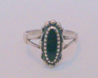 Vintage  Native American Sterling Silver and Onyx Ring Size 5.75