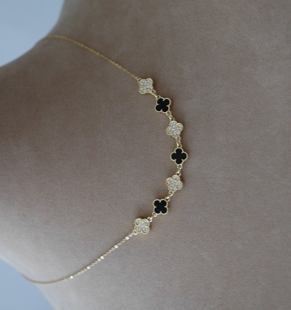 clover necklace 2 sided clover black and white by stylelovers