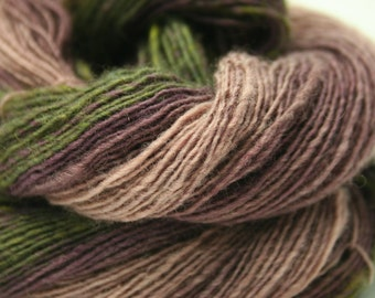 Handspun Gradient Yarn Merino Lincoln Wool Fingering Weight 14WPI 226 Yards 42g 1.5oz Hand Dyed OOAK International Shipping - Dried Lavender