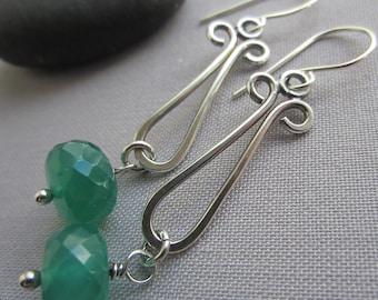 SALE 20% OFF/ Silver Wire Earrings / Handmade Onyx Earrings/ Hammered Earrings/ Green Onyx Wire Earrings/ Oxidized Silver Earrings