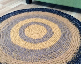 Hand crochet round rug, 34 inches in diameter, READY TO SHIP