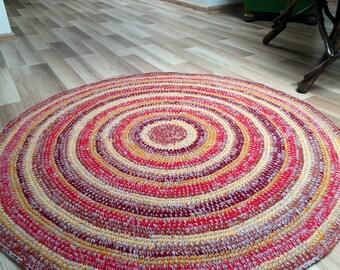 Beautiful Crochet round rug, 45'' in diameter