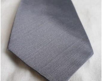 Vintage 1950s Skinny Blue/Grey Silk Strawbridge & Clothier Necktie