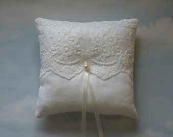 Linen wedding pillow. Ring cushion