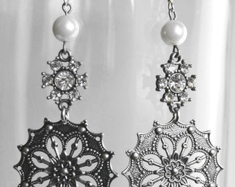 Pearl and crystal earrings - Gunmetal Filigree and Pearl earrings