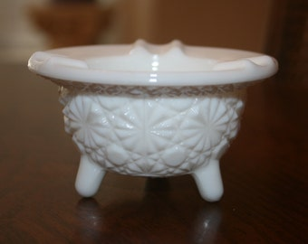Vintage L E Smith White Milk Glass Footed Ashtray Cottage Romantic Chic Mid Century