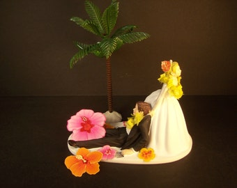 Tropical Wedding Cake Topper with Palm Tree and Hibiscus Flowers Funny Awesome Beach Island Hawaiian Hawaii Lei Bride and Groom