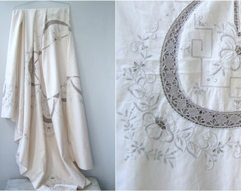 Cotton Embroidery Tablecloth Off White, Mid Century Table Cloth Cut Work, Vintage Table Linen, Cotton Bed Linen, Bed Cover, Wedding Gift