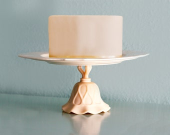 "Ivory Cake Stand / 13"" Vintage Cake Plate Pedestal / Cupcake Stand / Macaron Stand Macaron Platter for French Macarons"