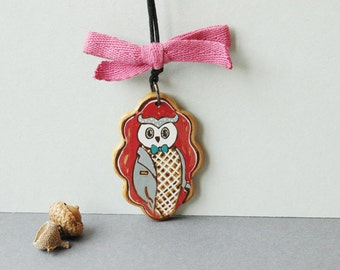 Hand painted owl necklace,illustrated necklace, bird necklace ,woodland jewelry