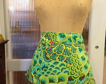 Half Waist Apron Peacock Feather Print in Greens