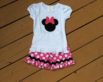 Girl's Minnie Mouse Appliquéd Shirt with Shorts