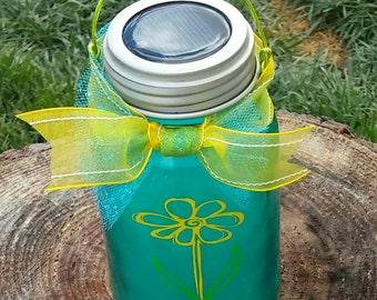 Solar powered lid light with tinted mason jar and vinyl