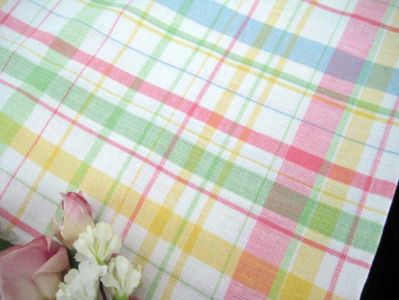 vintage 1960 39 s plaid tablecloth pastels large banquet. Black Bedroom Furniture Sets. Home Design Ideas