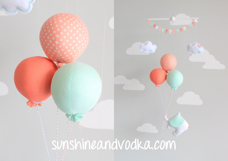Mint en koraal baby mobile olifant en ballon door sunshineandvodka