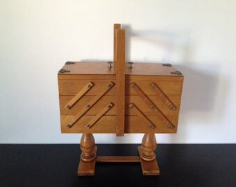 Wooden Vintage Sewing Box Telescoping type